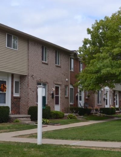 royal-woods-townhomes-apartments-for-rent-in-riverview-mi-gallery-10