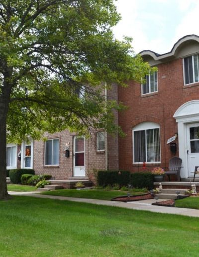 royal-woods-townhomes-apartments-for-rent-in-riverview-mi-gallery-8
